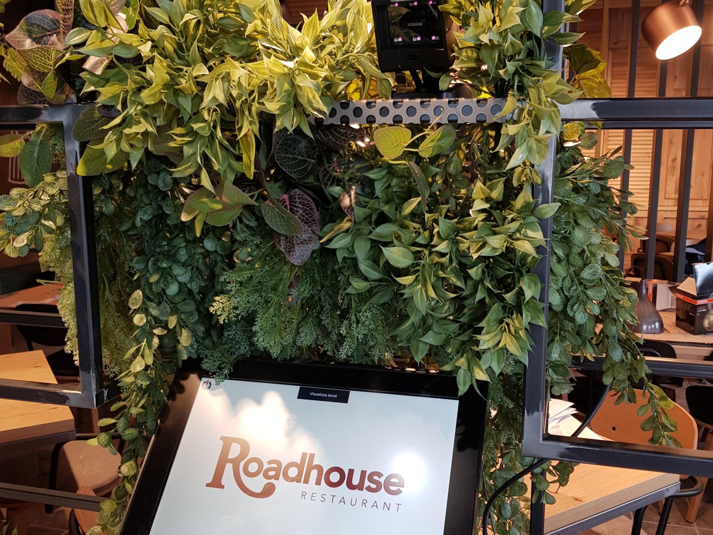 Bm luxury piante giardini verticali artificiali lux for Allestimento giardini privati